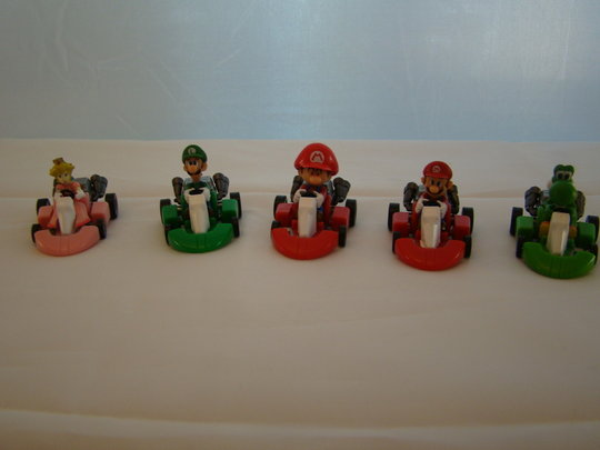 Super-Mario-Kart-Collectors-Set-Mario-and-luigi-Pull-Back-Kart-figures