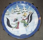 WB looney Tunes Warner Bros Looney Tunes Collector Plate Winter Romance Boxed