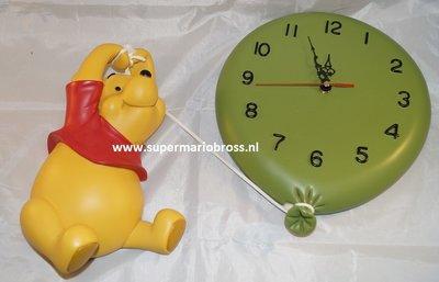 Hanging Winnie the Pooh Up to the Hunny Tree clock deco beeld - Disney Winnie Poeh Klok met Ballon Nieuw and Boxed