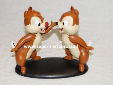 Chip & Dale Chatting 19cm High - Knabbel en Babbel - Chipmunks - Walt Disney Sculpture - New Boxed