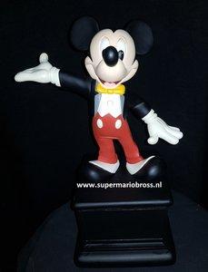 Walt Disney Mickey Mouse Coulered Cast Member Award 34cm Big Figurine Statue very Rare