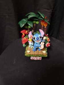Stitch playing Guitar Hawaiian Theme Beast Kingdom Diorama Pvc Statue New in Box