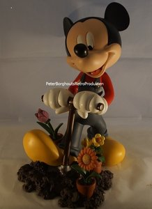 Mickey Mouse Digging & Planting Flowers - Walt Disney Mickey Gardening Big Statue - 31 x 25cm  Boxed