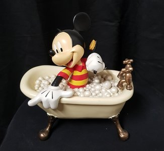 mickey in Bath Tub - Walt Disney mickey Mouse In white Tub Figurine Used vitrine sculpture