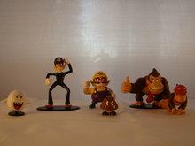 SETJE van 6 ,Donkey Kong, Diddy Kong, Boo, Waluigi, Wario en Goomba