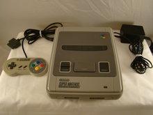Super Nintendo Console met controller en alle toebehoren.