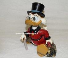 Dagobert Duck - Disney Small Walking Uncle Scrooge ongeveer 25 cm groot Boxed