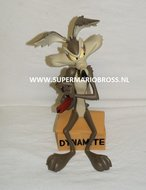 Wile E. Coyote On Dynamite - T & M Warner Bros Boxed Statue - 32 cm hoog - Decoratie beeld