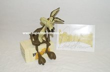 Wile E. Coyote On Dynamite - T & M Warner Bros Statue - 20 cm hoog - Boxed New Limited
