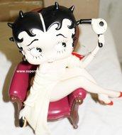Betty Boop Grooming - Betty Boop In stoel - Beschadigd Dekoratiebeeldje Boxed