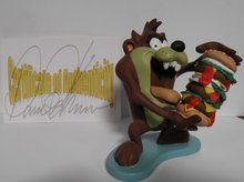 Taz The Tasmanian Devil with Hamburger - 20 cm Polyresin Deco Beeld - Boxed