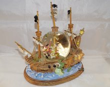 Disney Peter Pan & Captain Hook's Neverland Pirate Ship Snowglobe - You Can Fly- Disney Snowglobes