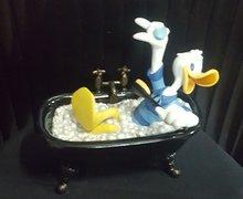 Donald Duck in Bath Tub - Walt Disney Donald Duck In Black Tub Figurine Used Boxed